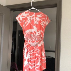 Banana Republic back cut out dress